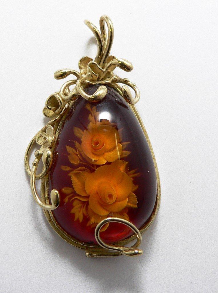 gioielli in ambra