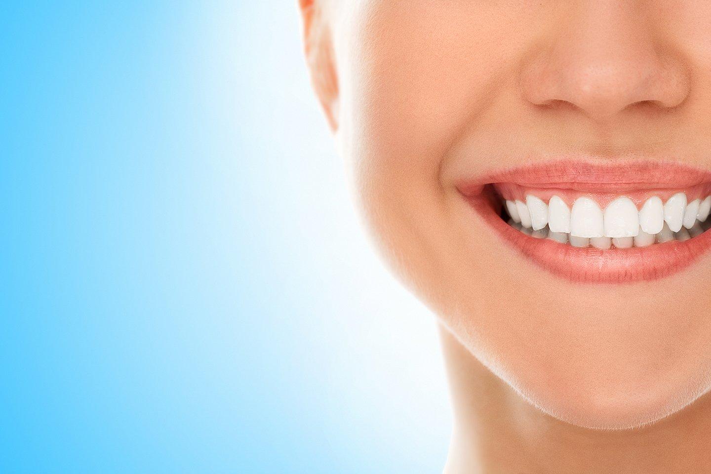 Bocca con sorriso sano