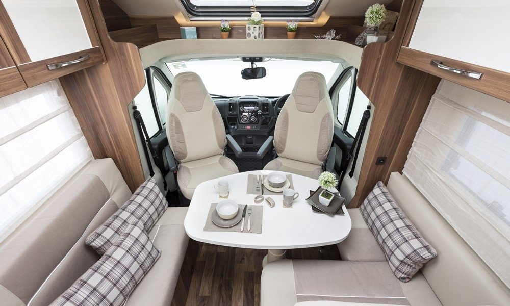 motorhome hire, mobile home hire, AR 694