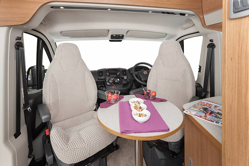 camper van motorhome hire V Line 635 Auto Trail