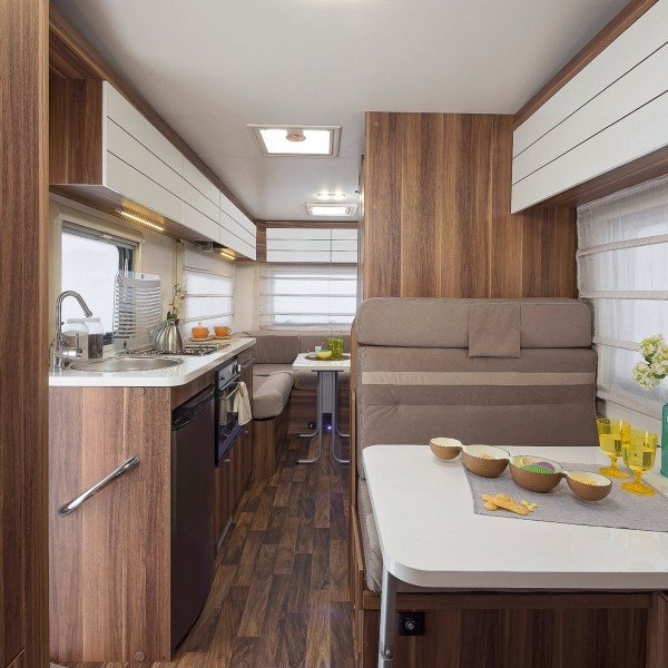 motor home rental - AR 746 - 6 berth motorhome hire