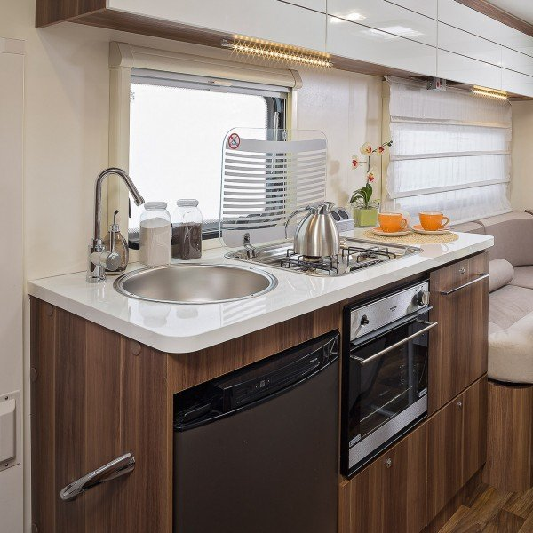 motor-home hire kent auto roller 746