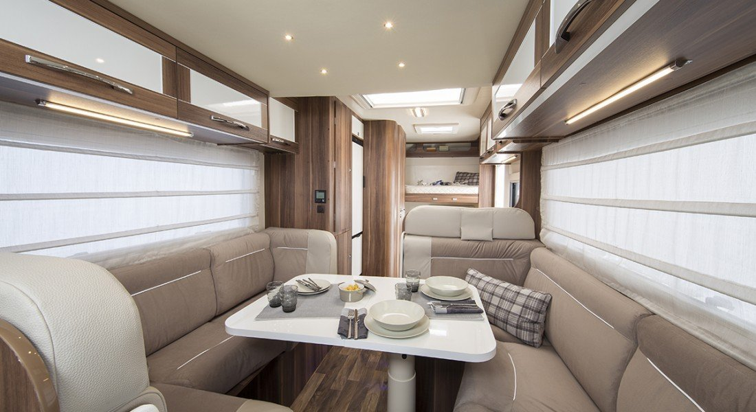rent a UK motorhome - auto roller 707 6 berth london, essex, kent, europe