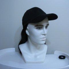 parrucca con cappello, parrucca nera lunga, biella