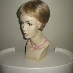 parrucca corta bionda, parrucca liscia, biella