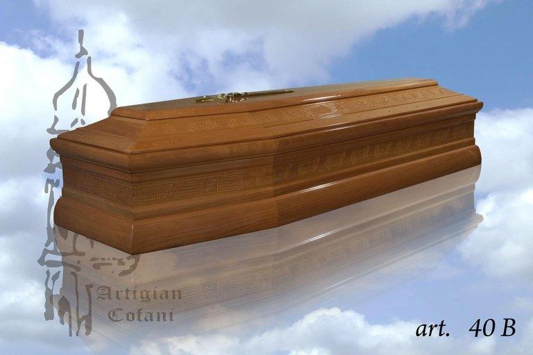 una bara in legno