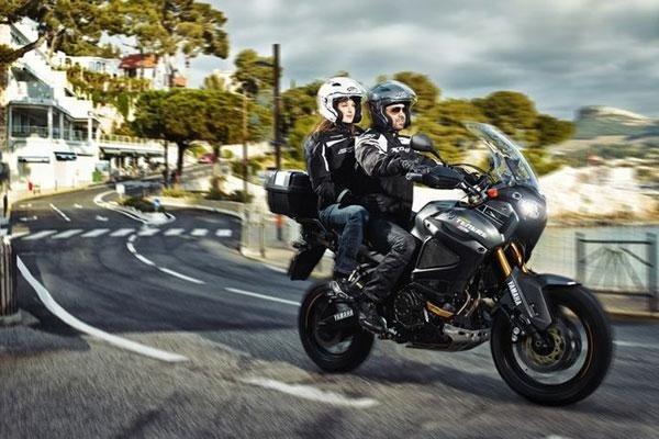 vendita articoli motociclismo