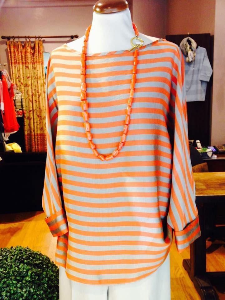 maglietta a righe arancioni