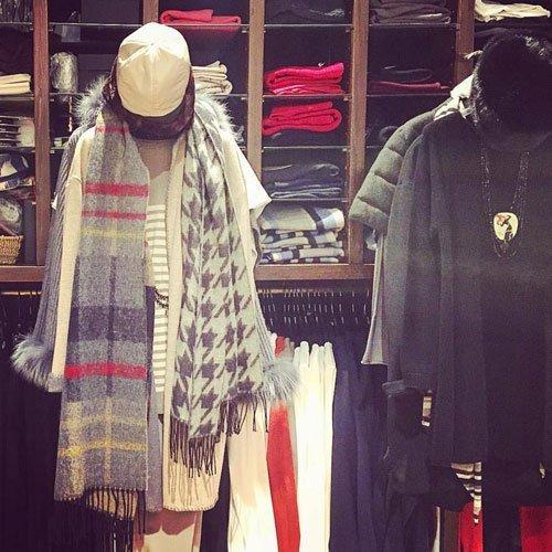 manichini con abbigliamento invernale