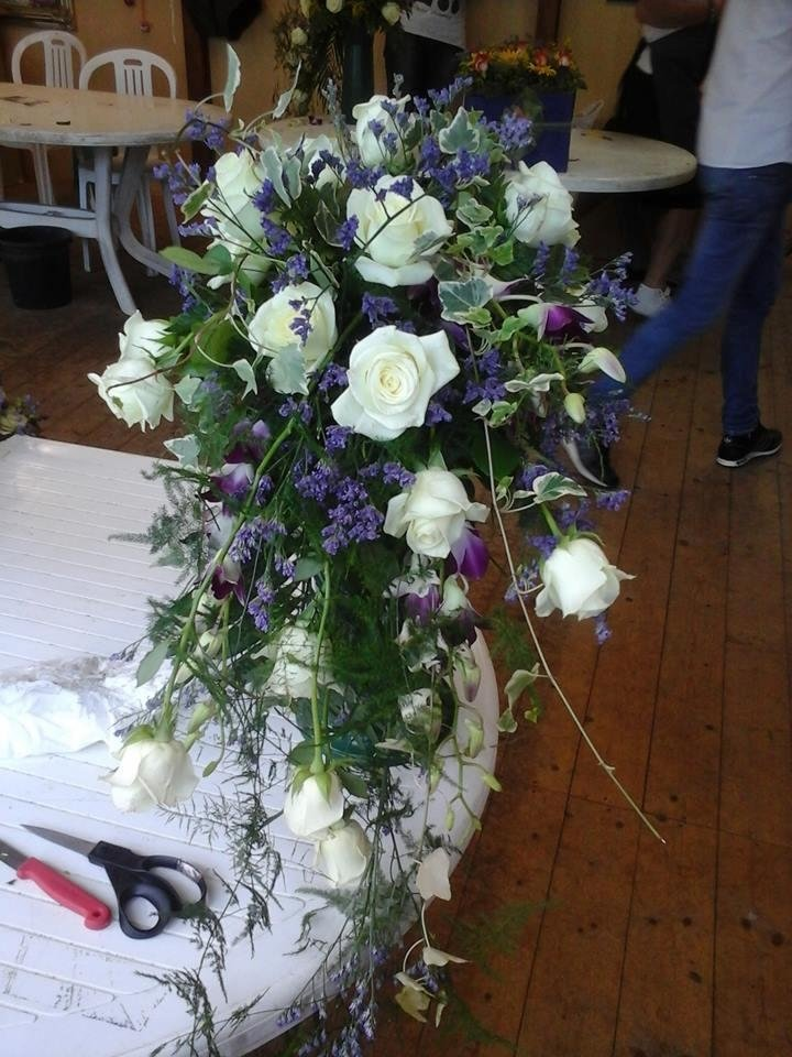 bouquet con rose bianche