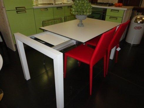 tavoli cucina, tavolo allungabile, tavolo laminato, tavolo alluminio, sushi kristalia