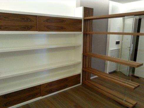 libreria su misura, frisetti, librerie roma, fianco in vetro