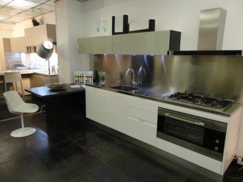 frisetti cucine, cucine roma, top acciaio, cucina componibile