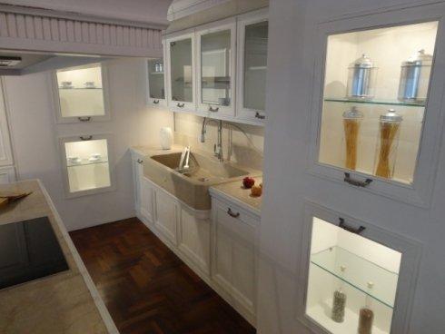la loggia copat, cucina classica, top in marmo, piano ad induzione