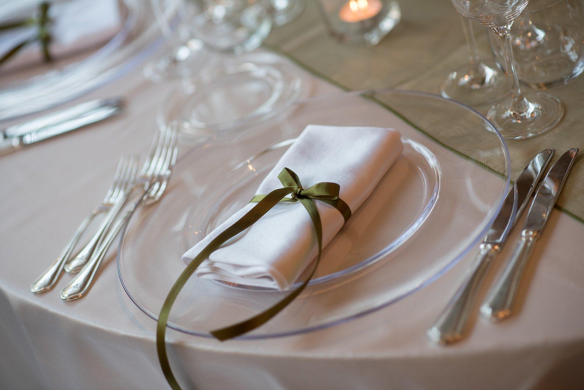 posto a tavola per un matrimonio