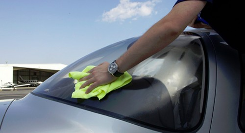 aircraft windshield cleaning