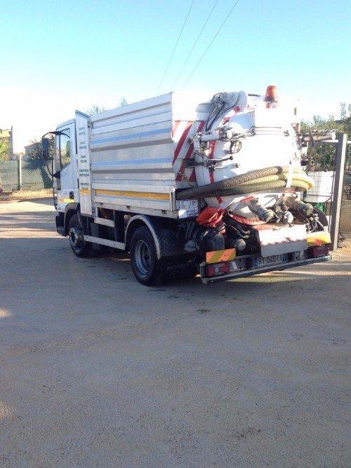 Camion per il servizio di autospurghi