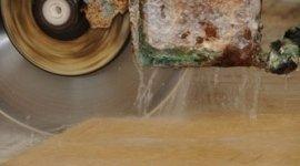 Taglio e lavorazione marmo