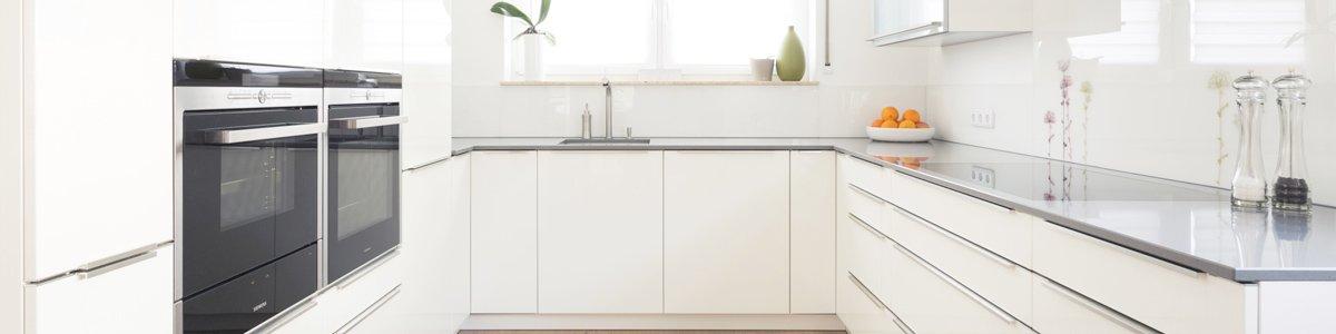 gateway manufacturing white colour modern kitchen