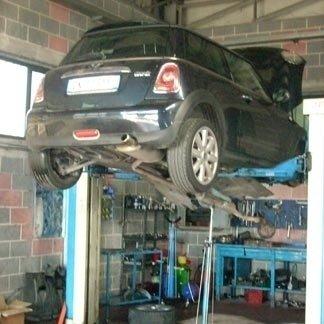 riparazione motori autoveicoli