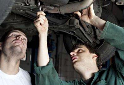 willetton exhaust two guy repairing