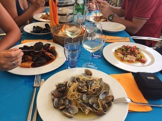 piatto con frutti di mare