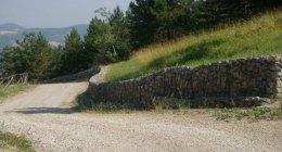 Realizzazione di briglie in pietra per contenimento frane