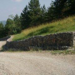 Realizzazione di briglie in pietra per contenere le frane
