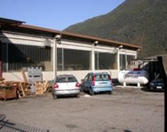 esterno ditta metalmeccanica Varese