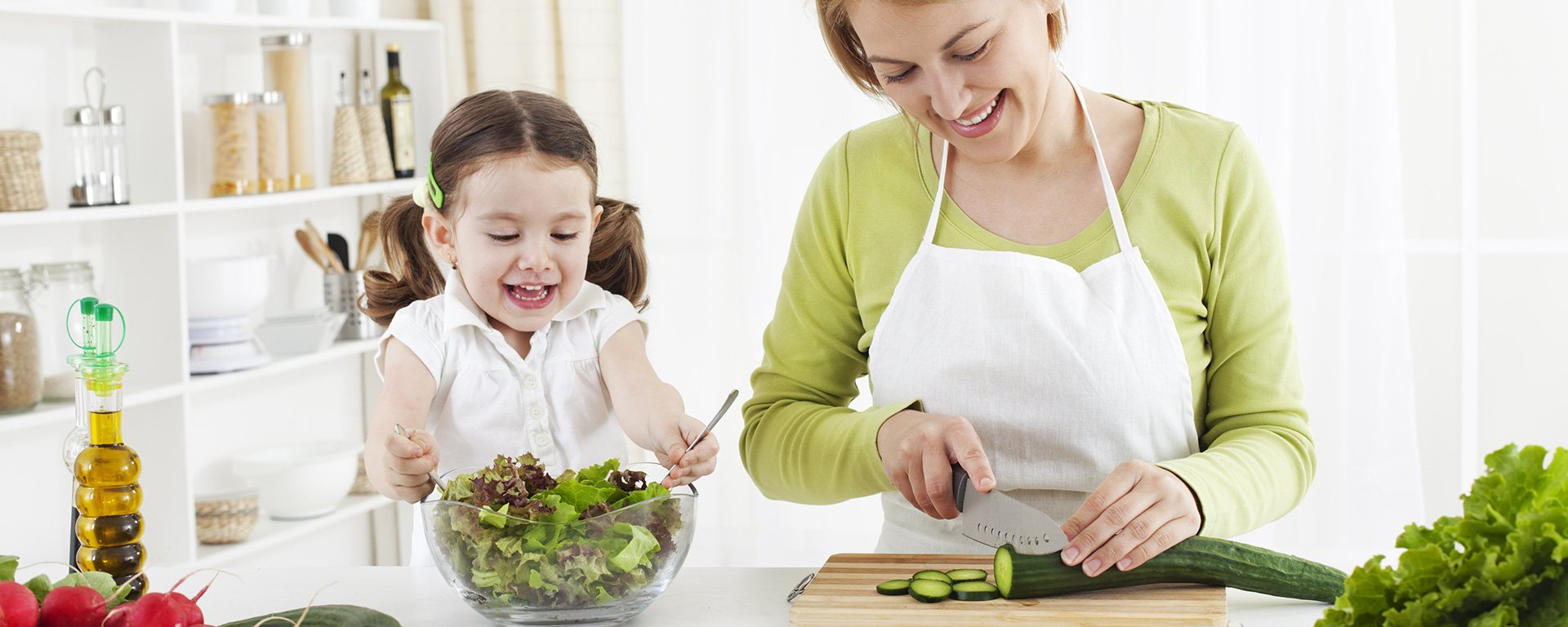 Cutting Nutritious vegetables for cooking