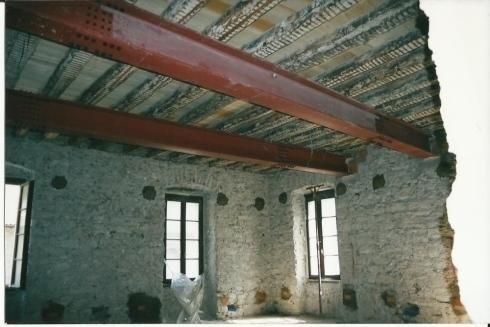 Travi risanamento edificio Pergine V anno 2003