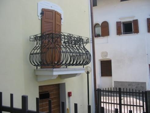 Balcone ferro battuto