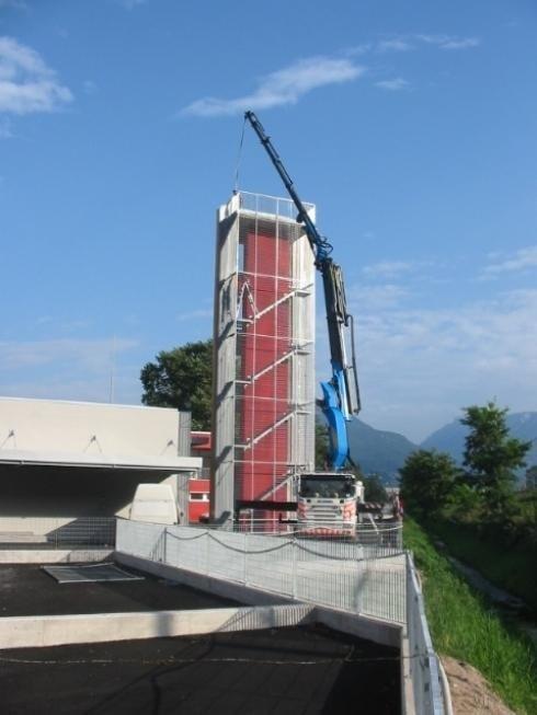 Scala zincata Caserma VVFF Spini di Gardolo Trento