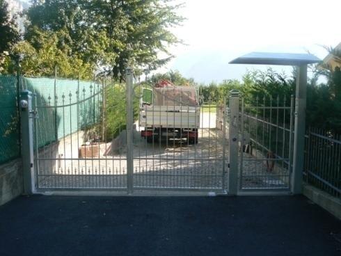 Cancello Con tettoia motorizzato zincato Mezzolombardo