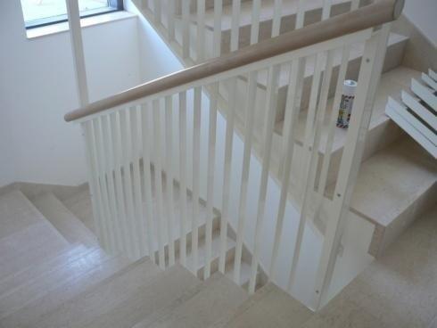 Parapetto scale acciaio verniciato legno Laste