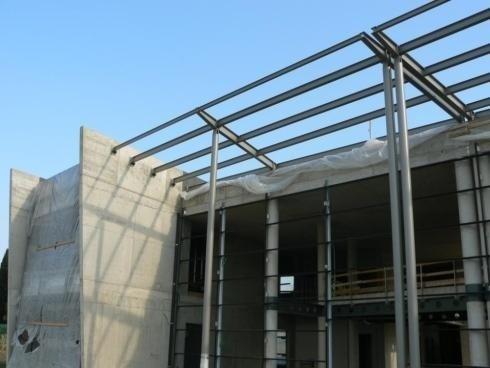 Tettoie Edificio Scolastico Bellavitis Bassano d Grappa 08/2013