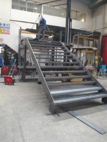 Scala acciaio Bellavitis-fase 1 produzione Stabilimento