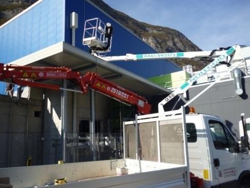 Tettoia in accaio zincato Magazzino Frutta SFT Romagnano 2012