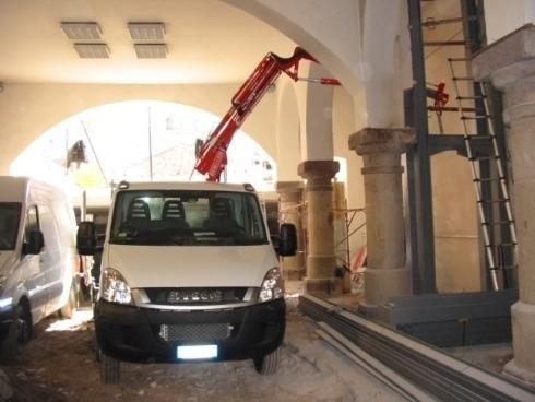 Strutture in travi HeB e lamiera sp 30mm sostegno edificio BOLZANO 2010