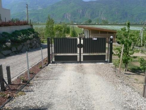 Cancello a 2 ante motorizzato Merano