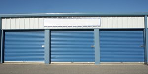 burleigh mini stores removals blue storage containers