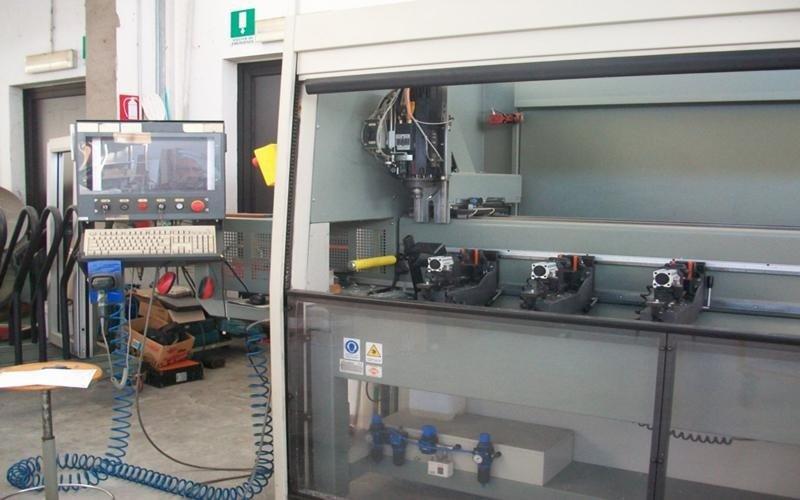 realizzazione industriale serramenti