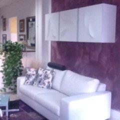 salotto, divano bianco