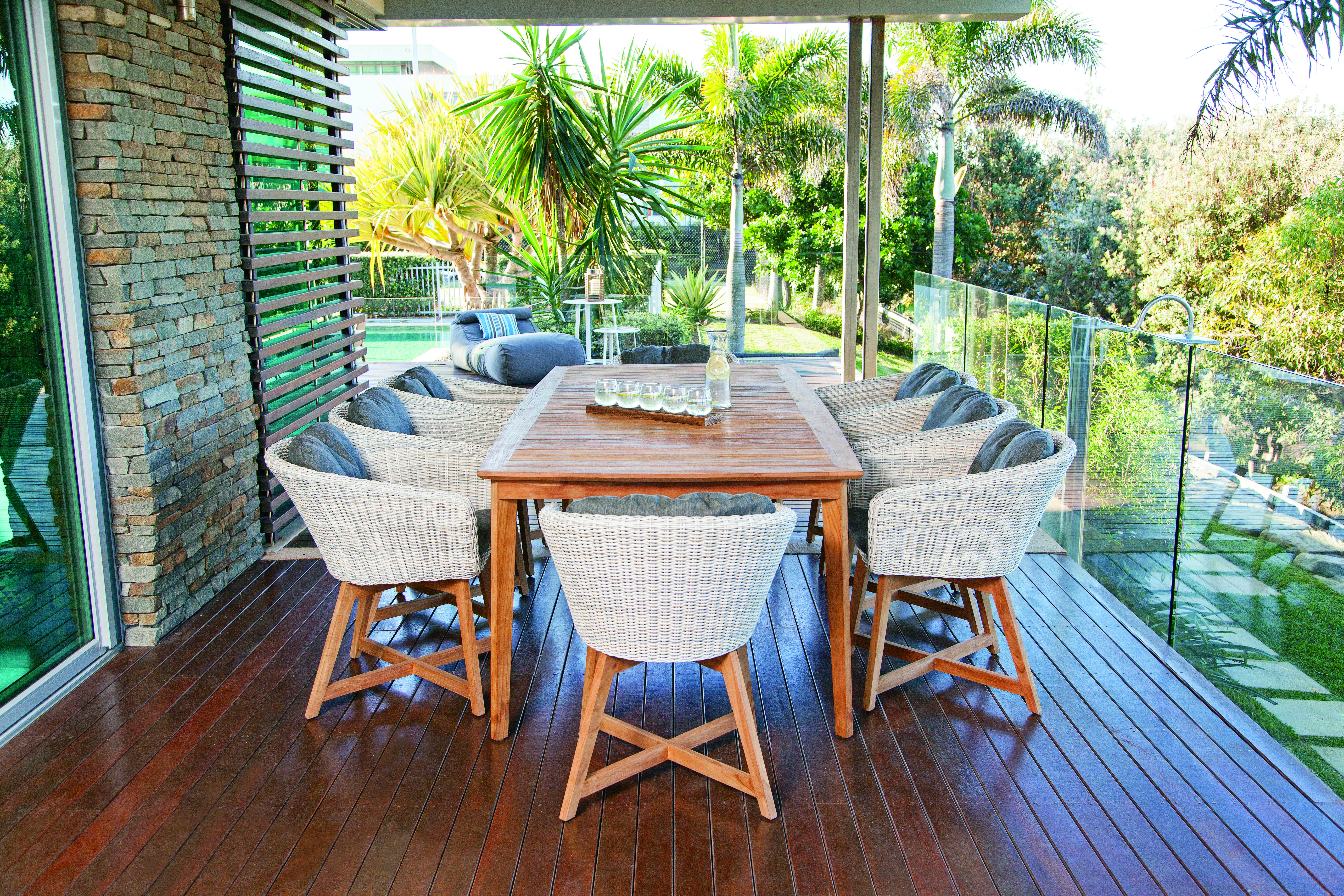 Outdoor furniture toowoomba the springs garden world for Outdoor furniture specialists