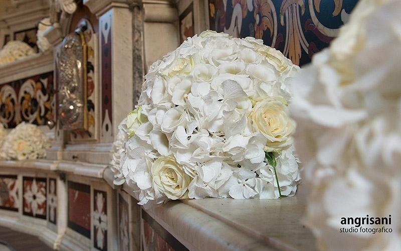 bouquet bianco di fiori