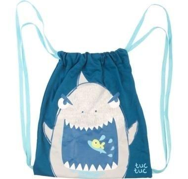 zaino con immagine di squalo