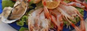 Scelta tra frutti di mare, gamberoni, ostriche