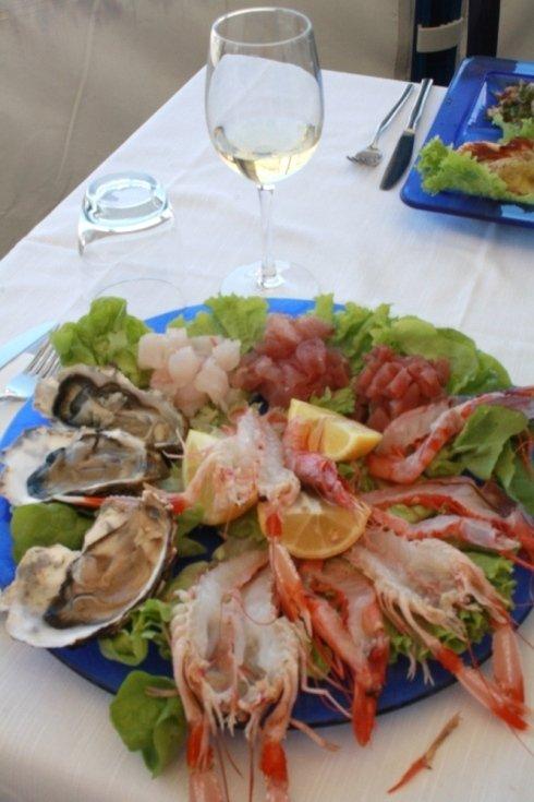 Piatto pesce fresco crudo