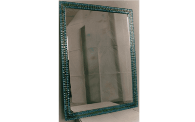 Specchio con cornice artistica