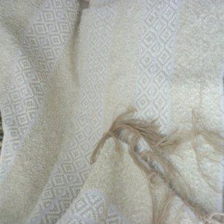 coperta o tappeto in lana realizzato al telaio a mano